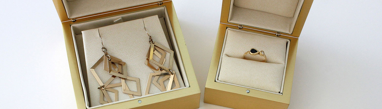 gold-jewelry-ring-earring-braclet-box-2.jpg